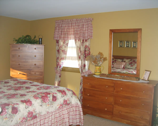 Bedroom makeover 2006 bedroom makeover 1 for Bedroom makeover
